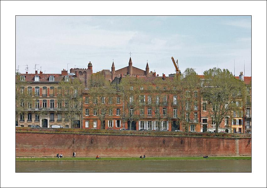http://ceyquem.free.fr/hfr/facades.jpg